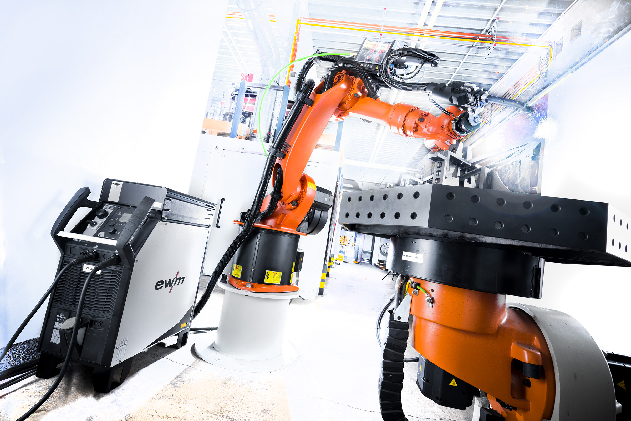 Digital welding data management in robot-assisted production